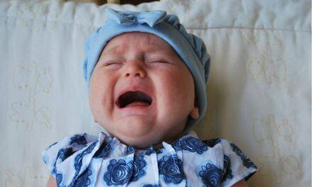 Peut-on (et doit-on) décrypter les pleurs des bébés?