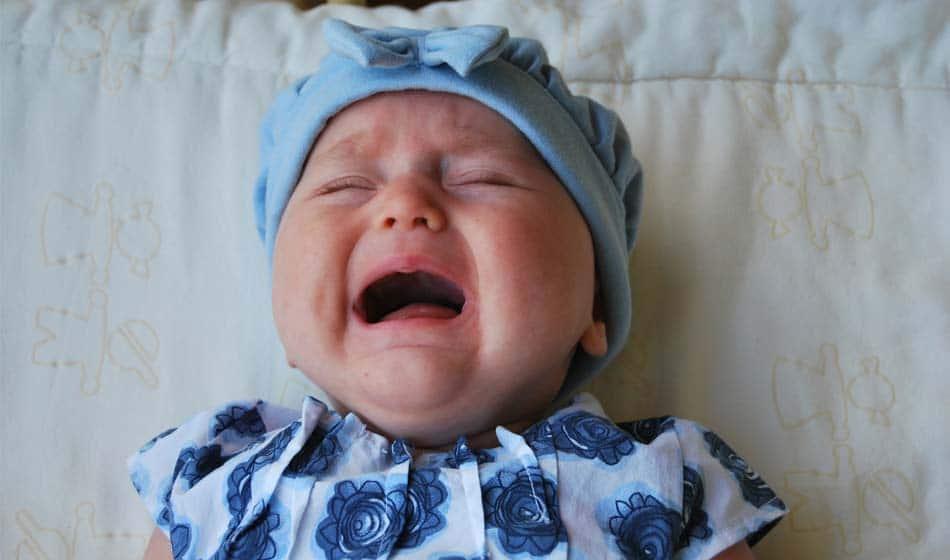 Pourquoi les femmes qui allaitent trouvent que leur bébé pleure plus ?